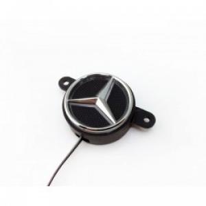 Logo Mercedes Stern beleuchtet