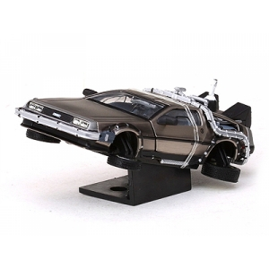 De Lorean BTF 2 Flying version