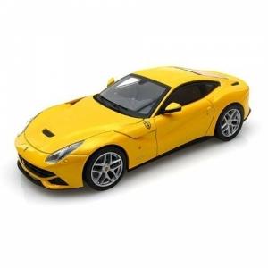 Ferrari F12 gelb met 2013