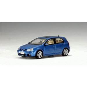 VW Golf V blau 2003
