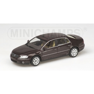 VW Phaeton rot met 2002