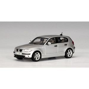 BMW 1er titansilber